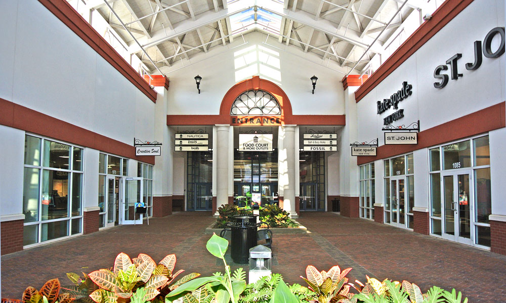 Find all of the stores, dining and entertainment options located at St. Augustine Premium Outlets®.