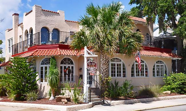 Casa de Sueños Bed & Breakfast captures the look of old St. Augustine in its Mediterranean-revival style architecture.