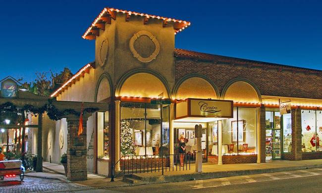 Centro Piano Bar and Restaurant is located across from the Plaza de la Constitucion in historic St. Augustine.