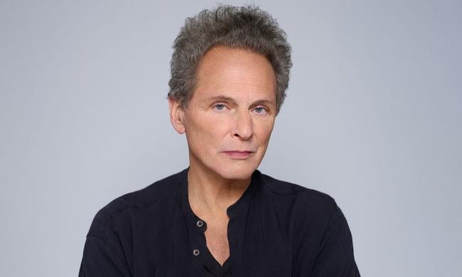 Lindsey Buckingham stops at the Ponte Vedra Concert Hall on his solo tour Sept. 26, 2021.