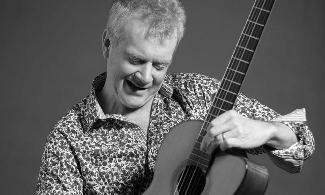 Jazz acoustic guitarist Peter White returns to Ponte Vedra for his annual Christmas concert.