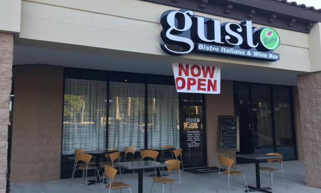 Gusto Bistro Italiano is located in the Moultrie Shopping Center in St. Augustine, Fl