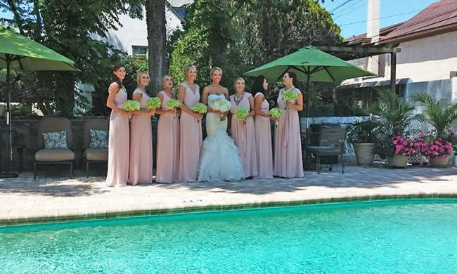 The courtyard and pool at the Kenwood Inn are perfect for weddings and receptions.