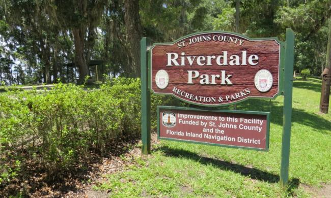 The entrance to Riverdale Park and Boat Ramp.