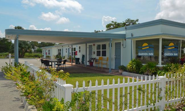 The Vilano Beach Garden Inn is a charming retro-style motel just five minutes from downtown St. Augustine.