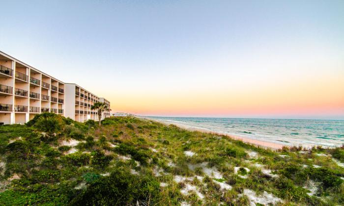 Beacher's Lodge Oceanfront Suites offers oceanfront deluxe condos in St. Augustine. Florida.