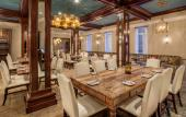 Costa Brava at the Casa Monica Hotel offers New World cuisine in an upscale dining environment.