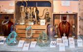 Dragonflies offers handcrafted jewelry, home decor, candles and other items that make great gifts.