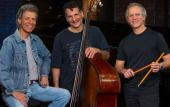 The Chick Corea Akoustic Band features Chick Corea, John Patitucci and Dave Weckl.