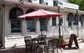 Outside seating at Uptown Swinery in St. Augustine, Florida