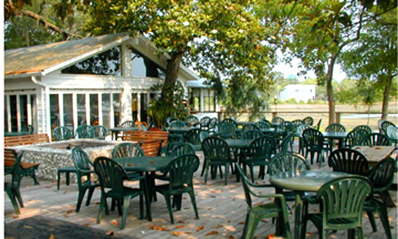 Beautiful Outdoor Dining Under The Magnolia And Oak Trees At Creekside Dinery